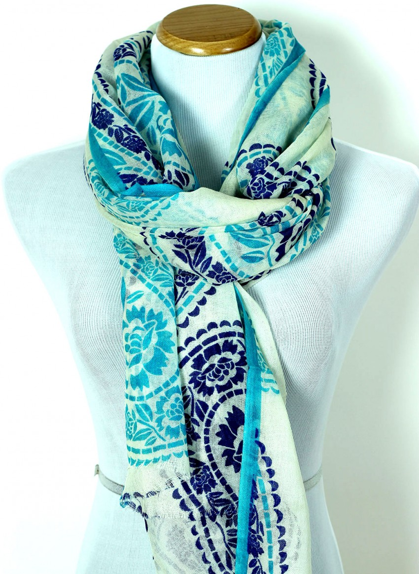 banarsi-designs-paisley-wool-scarf-10fMOTHER