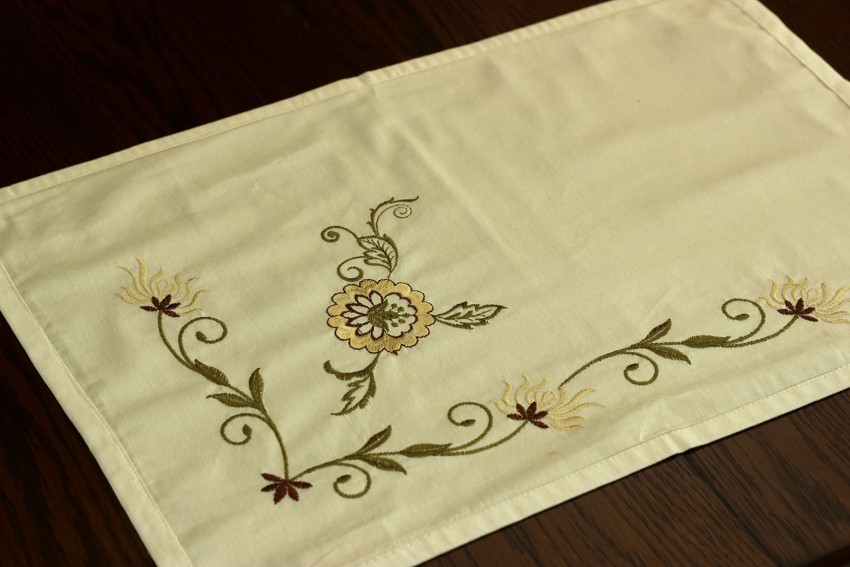 floral-embroidered-placemats-set-of-4-f1b-WIFE