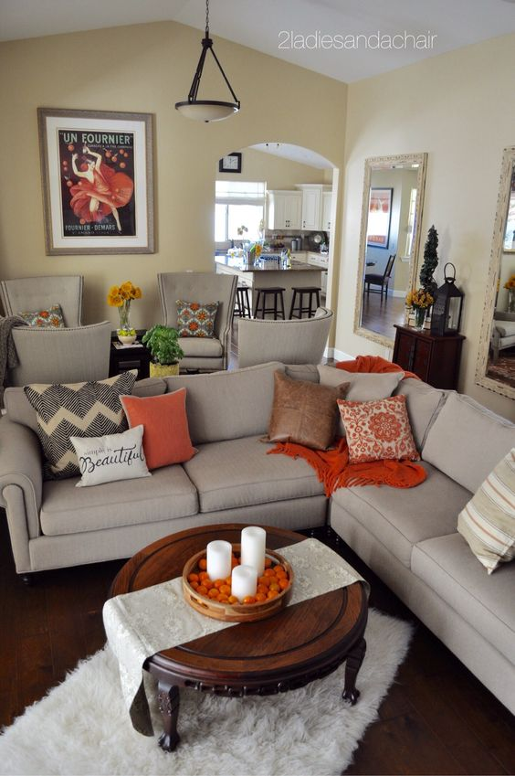 fall-living-room-with-cushions