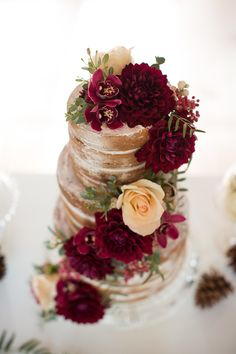 burgundy-and-gold-wedding-cake