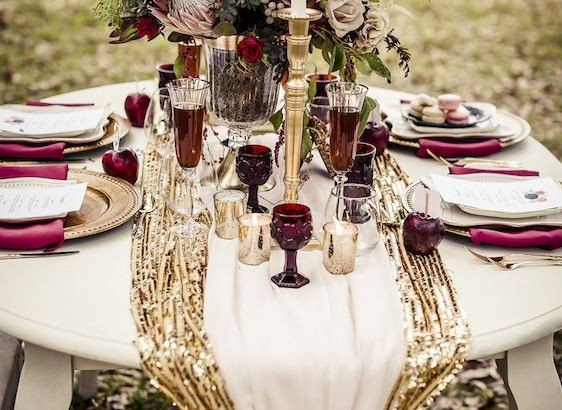 burgundy-gold-fall-wedding