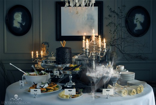 gothic halloween table layout - Halloween Table