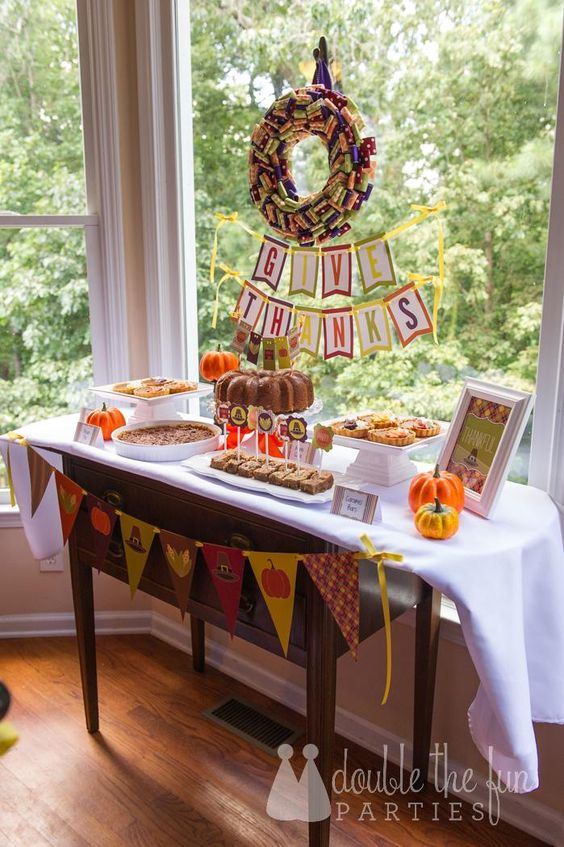 thanksgiving-buffet-table