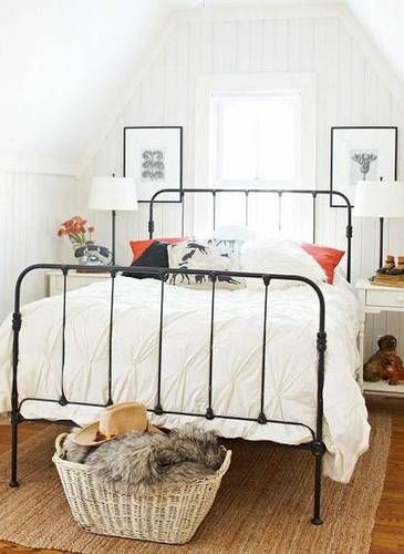 small-bedroom-bed-pillow-covers