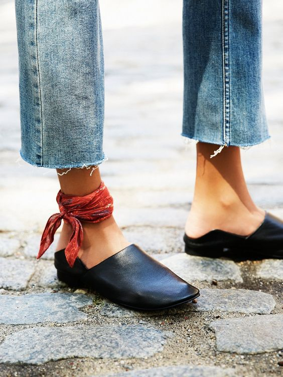 scarf-as-anklet