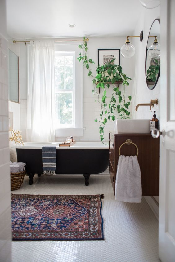 Bathroom decor crush the black bath tub for Cute bathroom ideas decorating