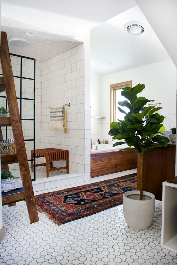 boho-bathroom-with-rug
