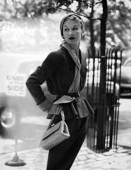 1950s-scarf-outfit
