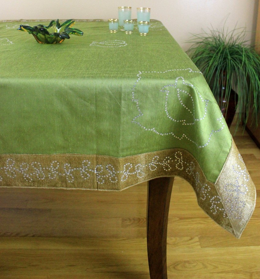 Velvet sparkle rectangular tablecloth 52 x 70 banarsi for Table linens 52 x 70