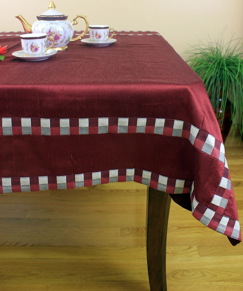 Modern squares rectangular tablecloth 52 x 70 banarsi for Table linens 52 x 70