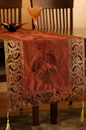 To Create My Nook, I Draped The Embroidered Floral Table Runner Across The  Corner And Highlighted With The Jacquard Floral Table Runner.