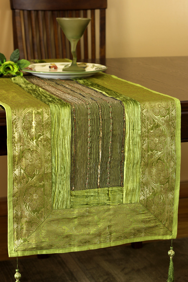 table runner greenapple av green tablerunner
