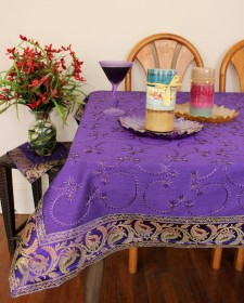 he-square-tablecloth-violet-1