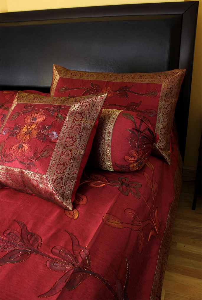 Hand Painted Duvet Cover Set (Saffron Red)