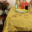 hp-square-tablecloth-darkgold-1
