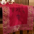 hp-tablerunner-fuchsia