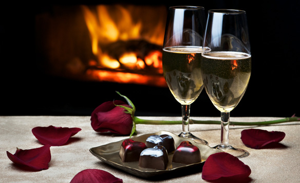 How To Have A Romantic Valentine's Day Dinner At Home | Banarsi ...