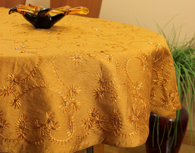 5 Unique Ways To Use A Tablecloth