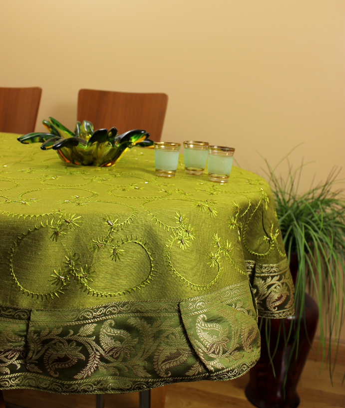 He round tablecloth citrusgreen 1 for 85 inch tablecloths