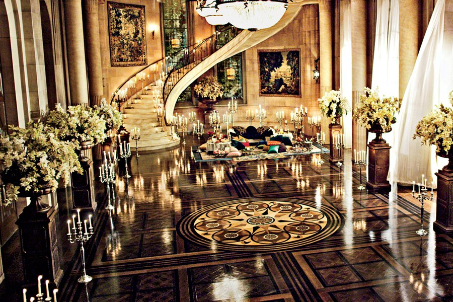 great gatsby movie set design - jay gatsby mansion ballroom