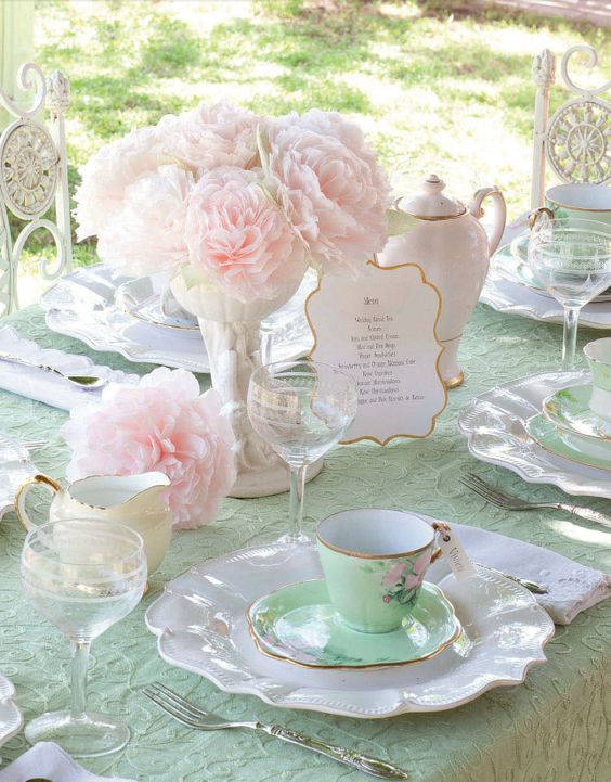 pastel shabby chic table layout