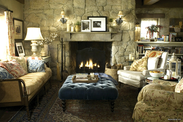 English-Cottage-Cameron-Diaz-Kate-Winset-Living-Room-2
