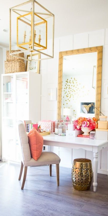5 beautiful boho dressing rooms for Dressing room accessories