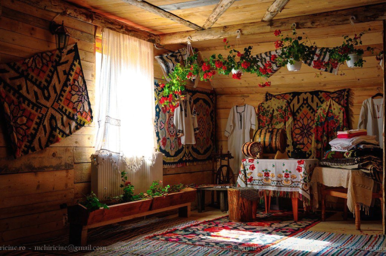 traditional-house-in-bucovina-romania-eastern-europe