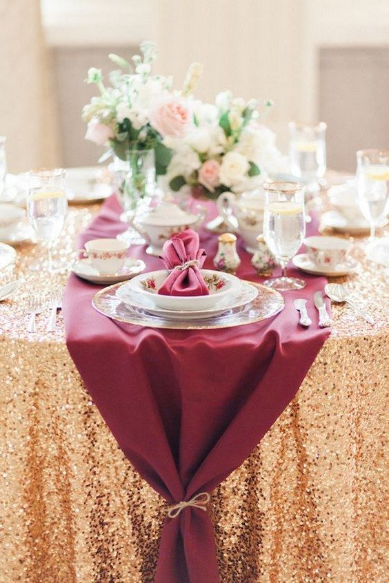 burgundy-gold-table-layout