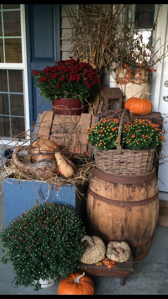Fall porches that will give you warm fuzzy feeling