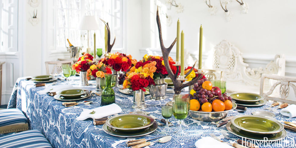 cute cottagey thanksgiving table forest themed