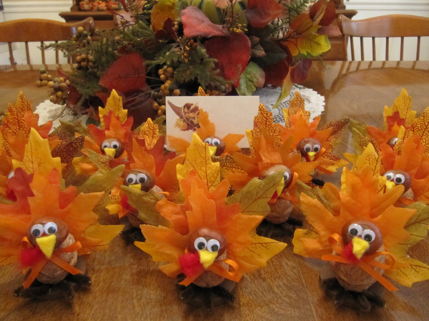 Diy Fun Thanksgiving Table Leaf Turkeys