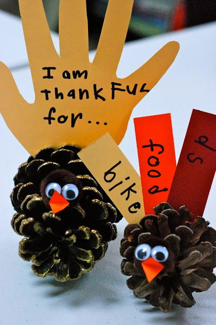 diy-kids-thanksgiving-craft-pine-cone-turkey