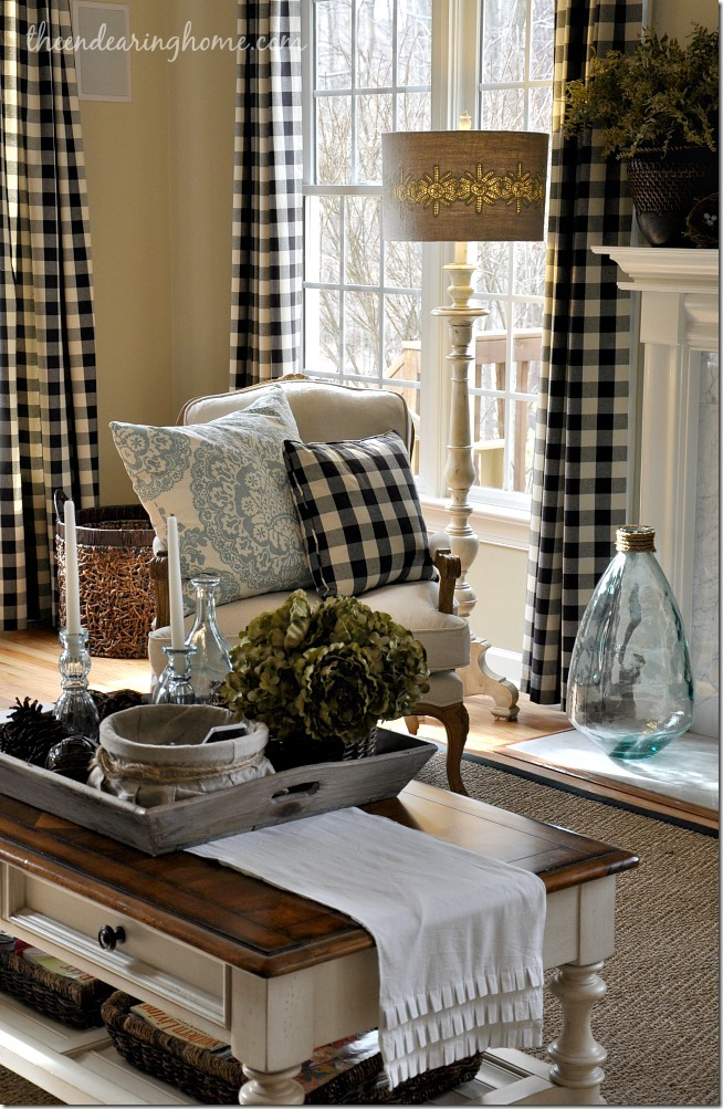 home-with-table-runner