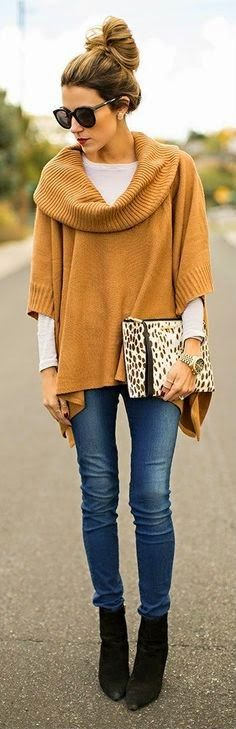 thanksgiving-outfits-mustard-poncho