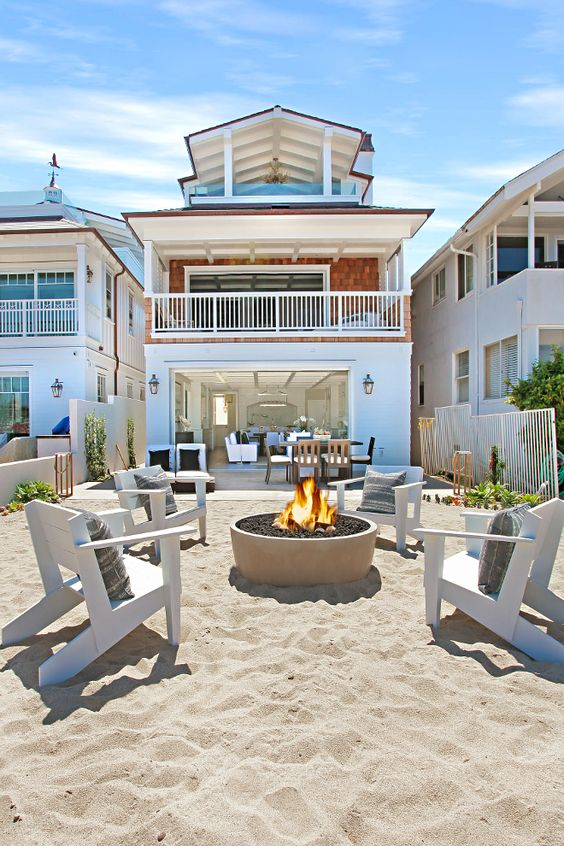 california beach house coastal decor style
