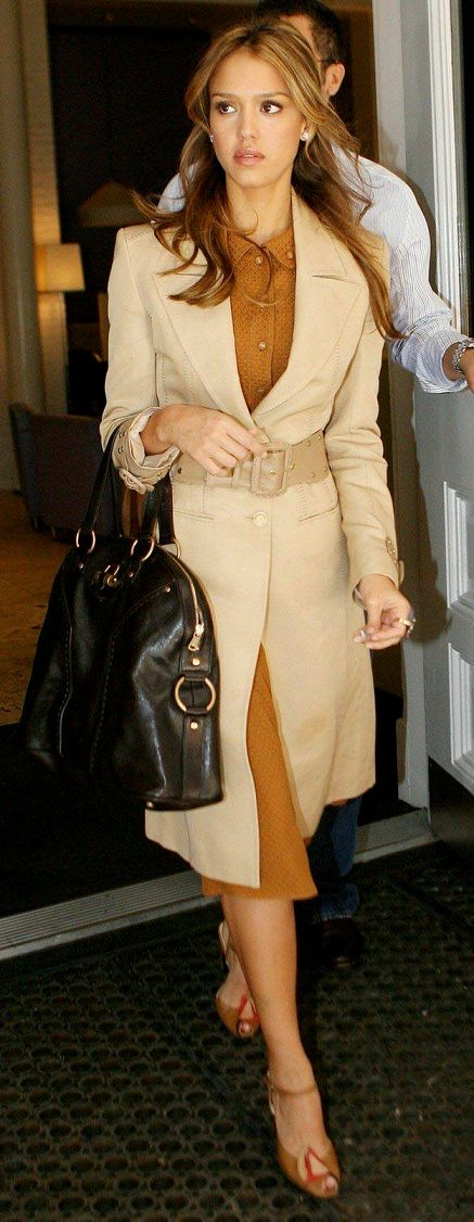 jessica-alba-neutral-outfit