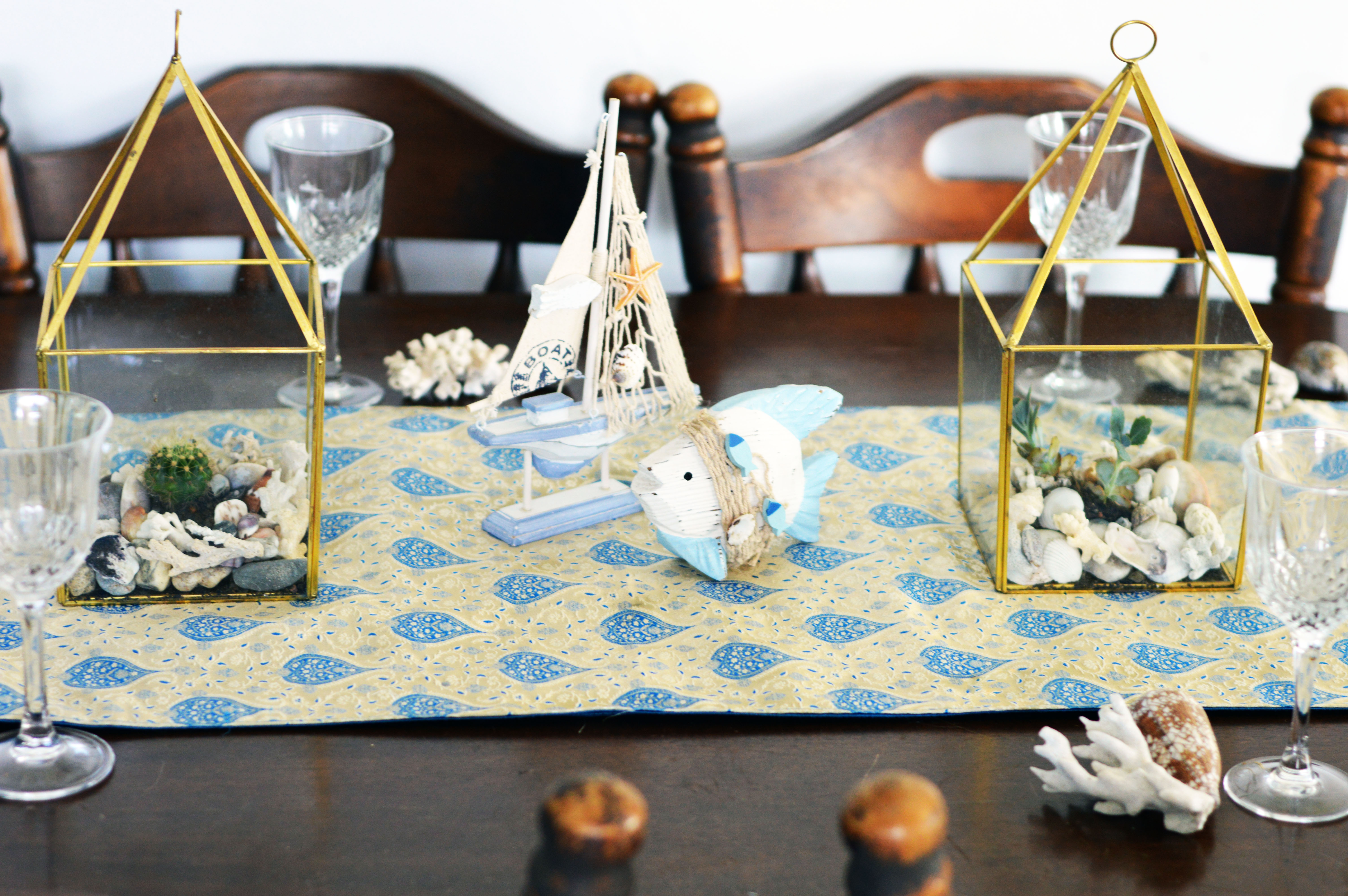 beach-nautical-themed-kitchen-table-layout