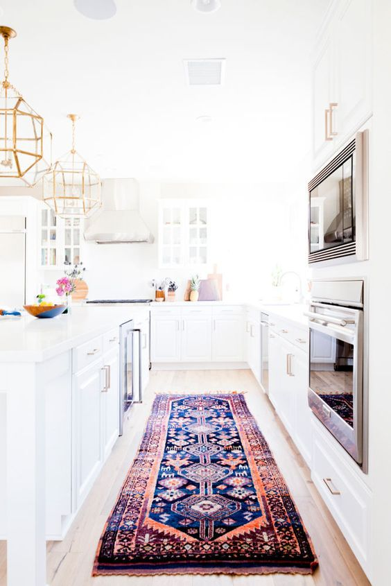 bohemian-kitchen-with-rug