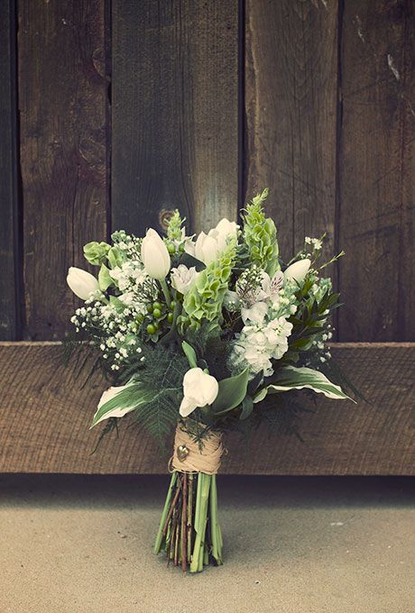 wedding-bouquet-with-lillies