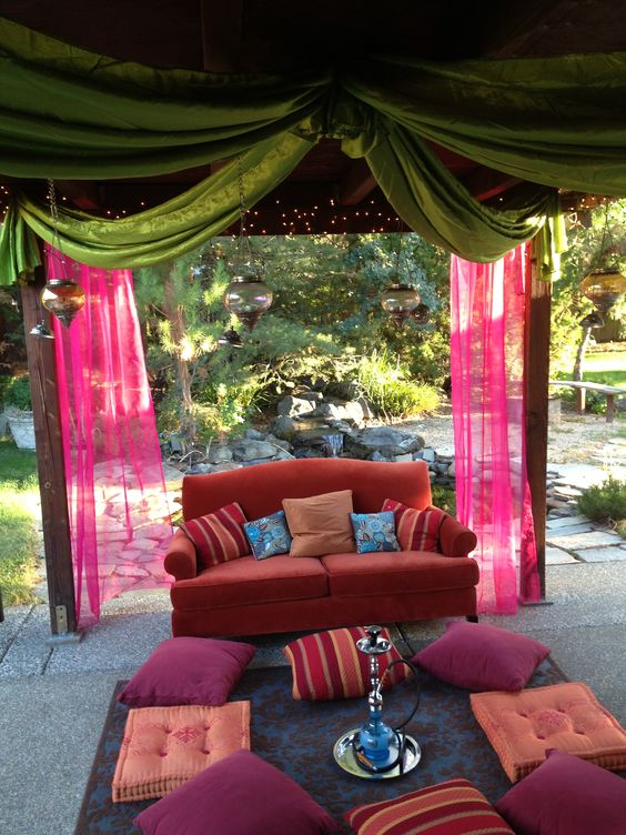 bollywood-themed-lounge-area