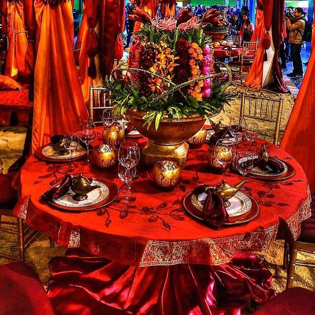 indian-style-wedding-red-tablecloth