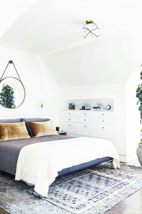 bed-with-velvet-pillow-covers