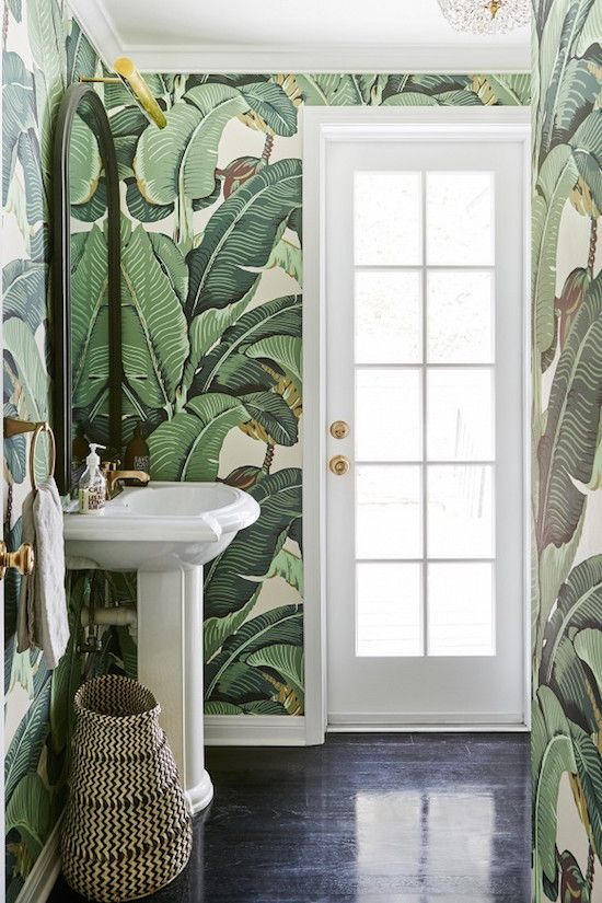 palm-print-bathroom