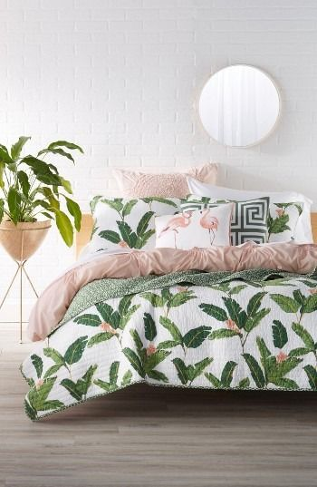 pink-and-palm-bedroom