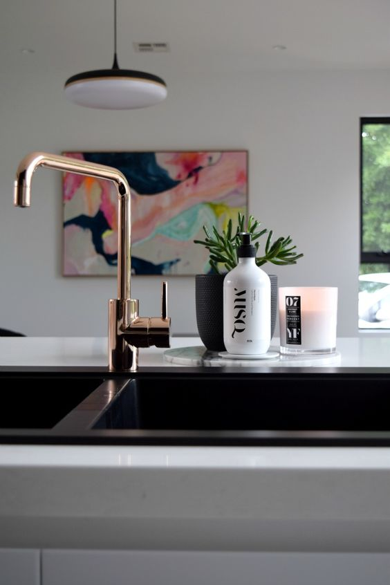 bathroom-with-matte-black-sink