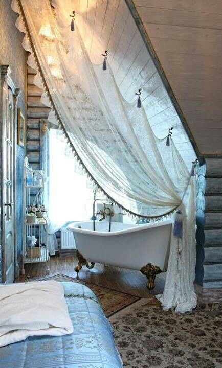 bohemian-bathroom-with-curtain