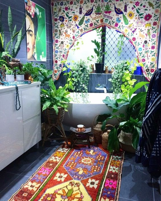 colorful-hippy-bathroom