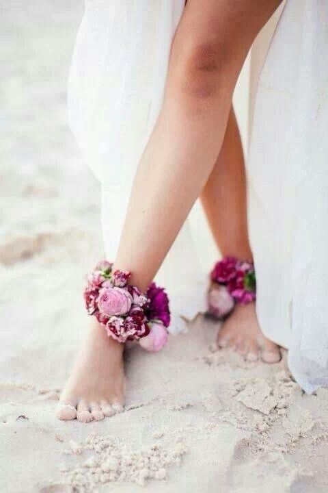 floral-anklets-beach-wedding