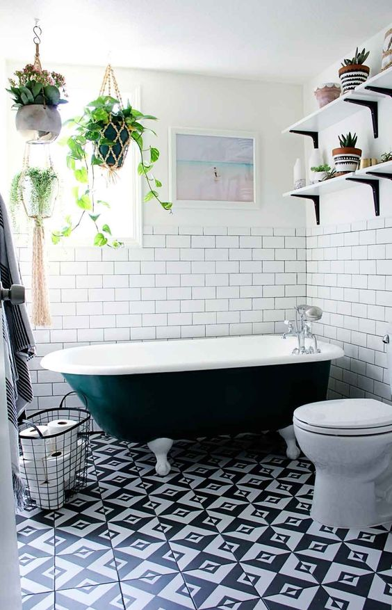 monochrome-bohemian-bathroom